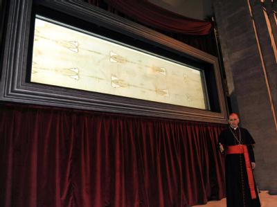 Der Erzbischof von Turin enthüllt am Freitag das Grabtuch.