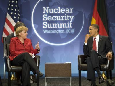 Bundeskanzlerin Merkel spricht in Washington mit US-Präsident Obama. Beide werten es als Fortschritt, dass der chinesische Staatspräsident Hu im Ringen um Iran-Sanktionen Zusammenarbeit signalisiert hat.