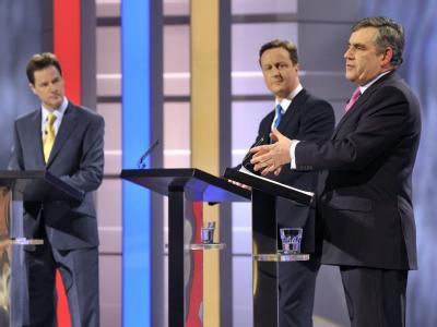 Die Vorsitzenden der britischen Liberalen, der Konservativen und von Labour: Nick Clegg, David Cameron und Gordon Brown.
