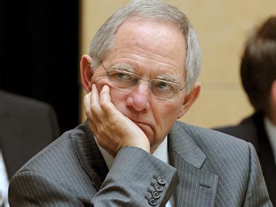 Immer Ärger mit der FDP: Die Liberalen drohen Bundesfinanzminister Wolfgang Schäuble (CDU) mit einer Blockade.