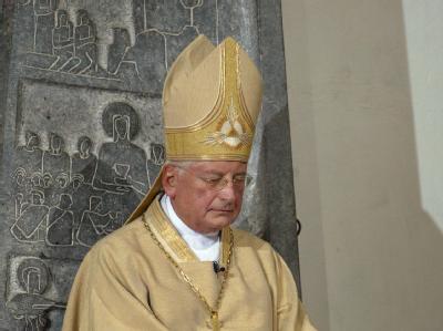 Walter Mixa im Oktober 2005 bei der Einführung in sein Amt als Bischof des Bistums Augsburg.