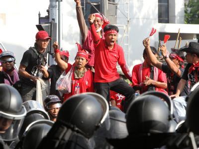 Konfrontation zwischen den oppositionellen