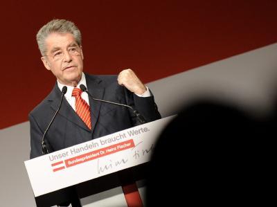 Amtsinhaber Heinz Fischer wird bei der österreichischen Bundespräsidentenwahl allen Umfragen zufolge erneut die Wiener Hofburg erobern.