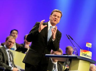 Der FDP-Vorsitzende Guido Westerwelle spricht auf dem Bundesparteitag in Köln.