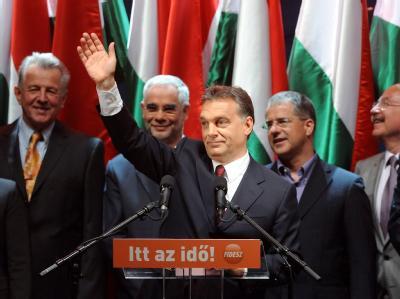 Die Partei FIDESZ des künftigen Regierungschefs Viktor Orban konnte ihren Erfolg aus dem ersten Durchgang weiter ausbauen.