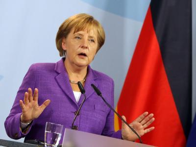 Bundeskanzlerin Angela Merkel (CDU) äußert sich zuversichtlich, dass der Euro mit dem Sparprogramm für Griechenland stabil gehalten werden kann.