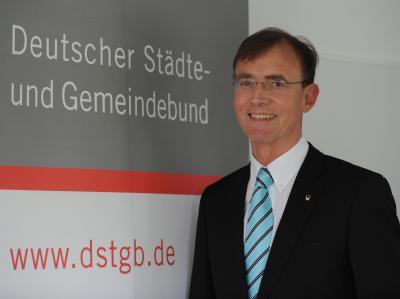 Der DStGB-Geschäftsführer Gerd Landsberg fordert eine grundlegende Neuordnung der Ausgaben- und Einnahmesituation.