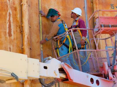 Arbeit an der Stahlkuppel