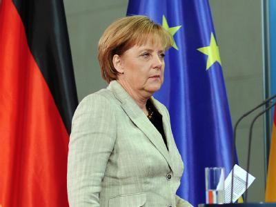 Bundeskanzlerin Angela Merkel kommt zu einer Pressekonferenz im Kanzleramt.