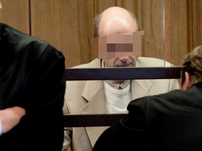 Der Berliner Arzt, der während einer Gruppentherapie illegale Drogencocktails gemixt und serviert hat, muss ins Gefängnis.