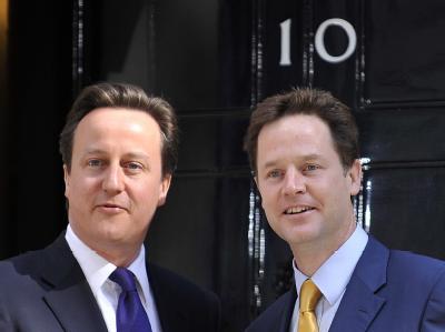 David Cameron (L) und Nick Clegg: Erstmals seit dem Zweiten Weltkrieg bekommt Großbritannien eine Koalitionsregierung.