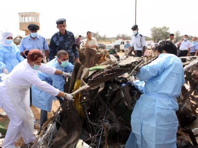 Beim Absturz einer Passagiermaschine auf dem Flughafen der libyschen Hauptstadt Tripolis sind 103 Menschen ums Leben gekommen.
