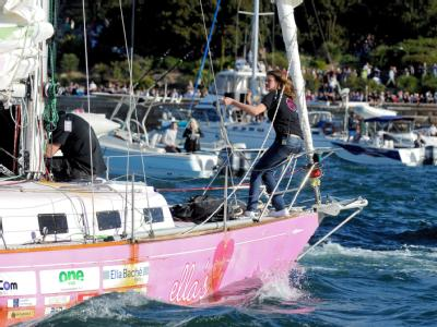 Jessica Watson segelt mit ihrem Schiff