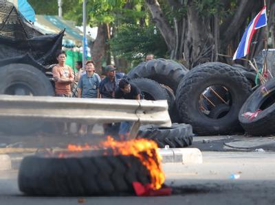 Mehrere Menschen haben bei den Unruhen in Bangkok ihr Leben verloren.