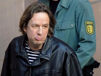 Fernsehmoderator Jörg Kachelmann sitzt seit 20. März in Mannheim in Untersuchungshaft. Die Staatsanwaltschaft hat nun Anklage wegen Verdachts der Vergewaltigung in einem besonders schweren Fall und gefährlicher Körperverletzung erhoben.