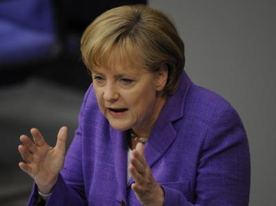 Kanzlerin Angela Merkel warnt in der Euro-Krise vor einem Zerfall der EU.