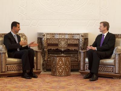Bundesaußenminister Guido Westerwelle führt in Damaskus eine Unterredung mit dem syrischen Präsidenten Baschar al-Assad (l).
