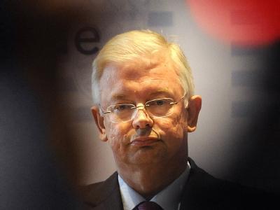 Hessens Ministerpräsident Roland Koch (CDU) in der Staatskanzlei in Wiesbaden.