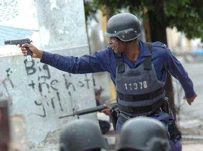 Blutiger Kampf um Gangsterhochburg in Kingston