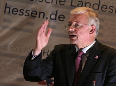Hessens Ministerpräsident Roland Koch kehrt der Politik den Rücken.