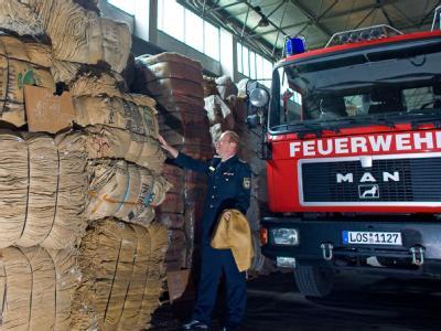 Sandsäcke im Lager des Katastrophenschutzzentrums im brandenburgischen Beeskow.