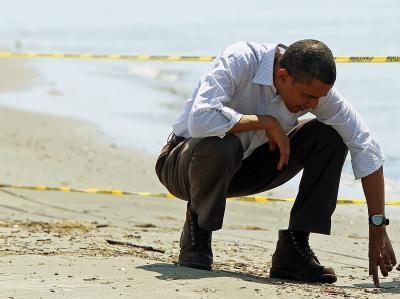 Suche nach Öl: Barack Obama an einem verseuchten Strand in Louisiana (Archiv).