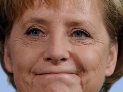 Für Bundekanzlerin Angela Merkel kommt der Rücktritt Köhlers zu keinem guten Zeitpunkt - die schwarz-gelbe Regierung steckt in einem Stimmungstief.