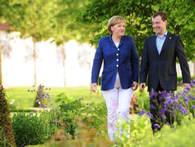Angela Merkel und der russische Präsiden Dmitri Medwedew beraten in Meseberg über Iran.