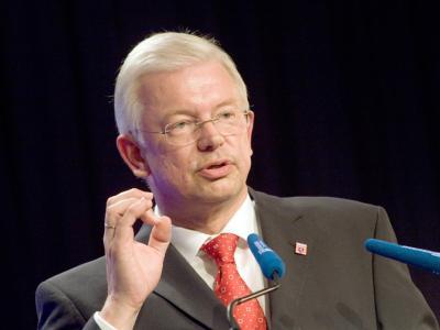 Hessens Ministerpräsident Roland Koch: «Die Staatsverschuldung ist eine Seuche.»