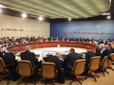 Die NATO muss sparen. Darum geht es bei einem Treffen in Brüssel.