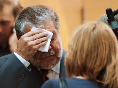 Der rheinland-pfälzische Ministerpräsident Kurt Beck (SPD) am Rande der Ministerpräsidentenkonferenz.