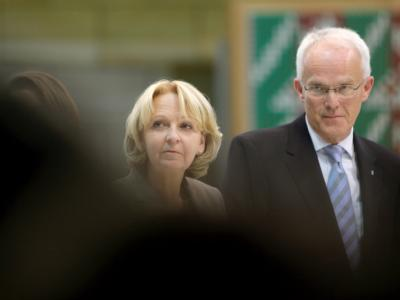 Die SPD-Landesvorsitzende Hannelore Kraft neben NRW-CDU-Ministerpräsident Jürgen Rüttgers.