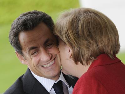 Angela Merkel und Nicolas Sarkozy haben sich für eine europäische »Wirtschaftsregierung» aus allen 27 EU-Staaten ausgesprochen.