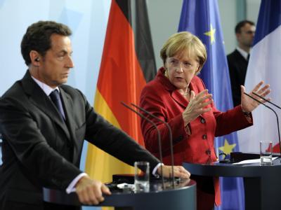 Die Kanzlerin und Frankreichs Staatschef Sarkozy haben sehr unterschiedliche Vorstellungen von der Zukunft der Europäischen Union. (Archivbild)