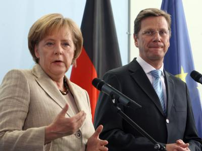 Bundeskanzlerin Angela Merkel und FDP-Chef Guido Westerwelle: Ihre Koalition läuft nicht reibungslos.