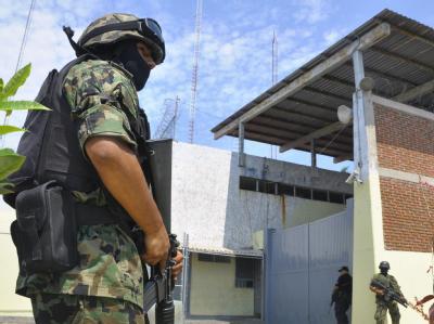 In einem Gefängnis der westmexikanischen Stadt Mazatlán sind 29 Insassen durch Schüsse getötet worden.