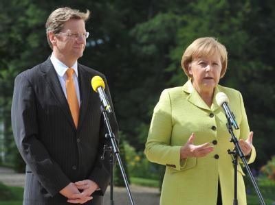 Bundeskanzlerin Merkel und Vize-Kanzler Westerwelle: «Wenn wir diesen Auftrag nicht vernünftig erfüllen, wäre das ein Treppenwitz.»