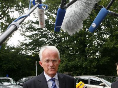 Der nordrhein-westfälische Ministerpräsident Jürgen Rüttgers äußert sich nicht zu seiner Zukunft.