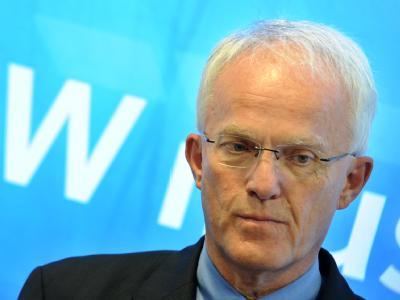 NRW-Regierungschef Rüttgers tritt nicht bei der Neuwahl des Ministerpräsidenten an.