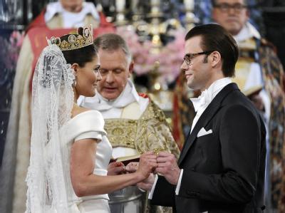 Kronprinzessin Victoria und Daniel Westling geben sich das Ja-Wort.