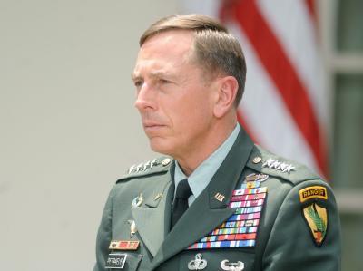 Irrtümlichen Angriff auf einen pakistanischen Posten an der afghanischen Grenze: US-General David Petraeus sprach sein Bedauern aus. (Archivbild)