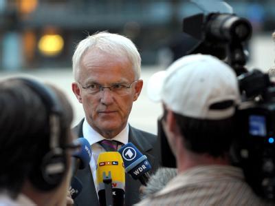 NRW-Ministerpräsident Jürgen Rüttgers (CDU) will nur noch bis zum Landesparteitag im kommenden Frühjahr CDU-Landesvorsitzender bleiben.