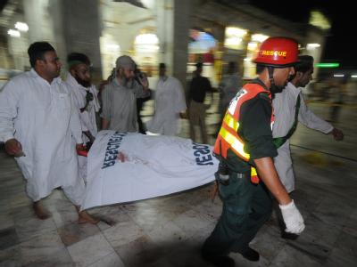 Selbstmordanschlag auf muslimischen Schrein in Lahore
