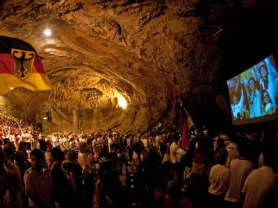 Public Viewing in Balver Höhle