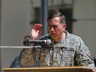 US-General David Petraeus bei seiner Antrittsrede als Chef der internationalen Truppen in Afghanistan.