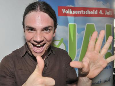 Sebastian Frankenberger, Sprecher des Aktionsbündnisses für Nichtraucherschutz, freut sich über den Sieg beim Volksentscheid.