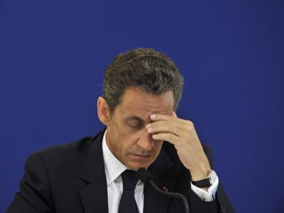 Nicolas Sarkozy ist wegen mutmaßlichen Schwarzgeldspenden in Bedrängnis geraten.