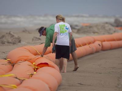 Die Ölpest an der amerikanischen Golfküste breitet sich weiter aus. Möglicherweise ist jetzt auch die Küste von Texas betroffen.