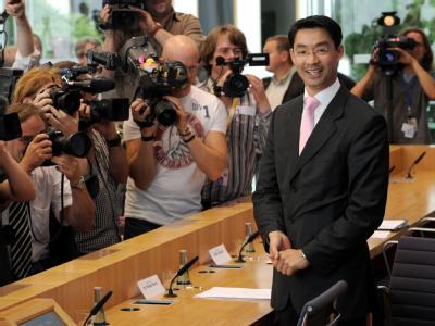 Bundesgesundheitsminister Rösler ist zufrieden: «Das zu erwartende Defizit in Höhe von elf Milliarden Euro für das Jahr 2011 wird ausgeglichen werden.»