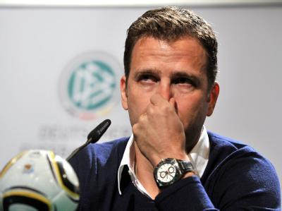 Oliver Bierhoff macht als Manager der Nationalmannschaft nur weiter, wenn Jogi Löw Bundestrainer bleibt.